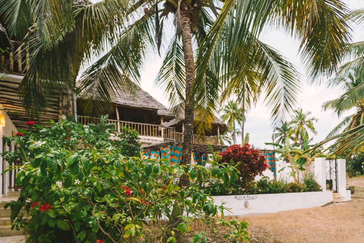 Shanuo beach bungalows